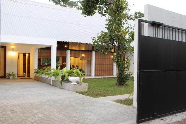 Kadawatha house for Sale, Price Negotiable Gampaha - Houses