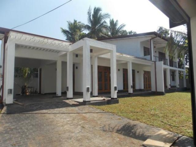 Modern 4 bedroom house sale near kiribathgoda Gampaha - Houses ...