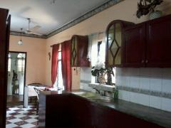 Ethul kotte - Main road frontage house for sale or lease.