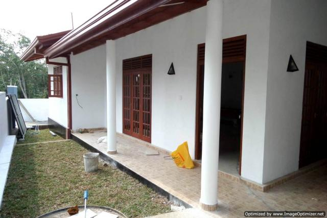 Brand New House in Kesbewa Colombo - Houses & Land for Sale