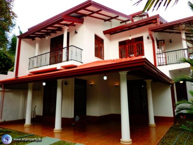 Stored brand new house for sale piliyandala