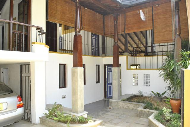 Moratuwa: 4 Bedroom House for sale Colombo - Houses & Land