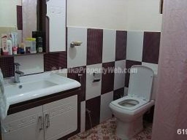 New house for sale in kundasale kandy houses land for for Bathroom design in sri lanka