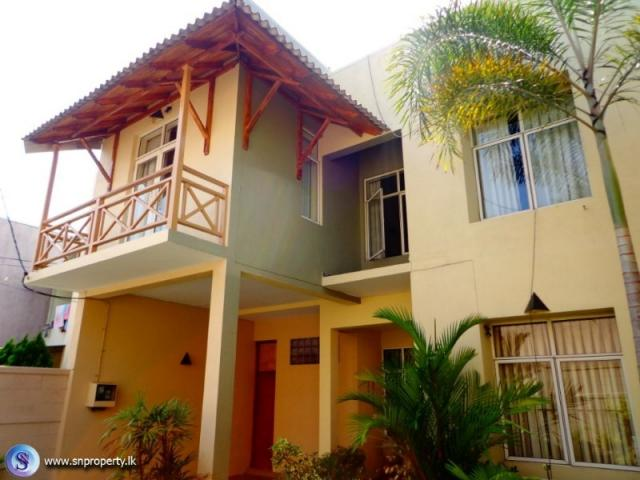 2148 2 Stored Newly Build Upstairs Houses Nugegoda Vijayarama Colombo Houses Land For